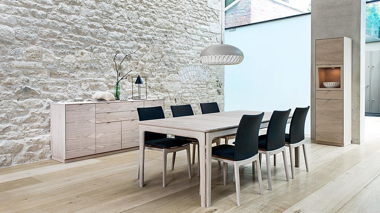 Kr 18500, Eik spisebord hvitoljet SM24 fra Skovby. 6 20